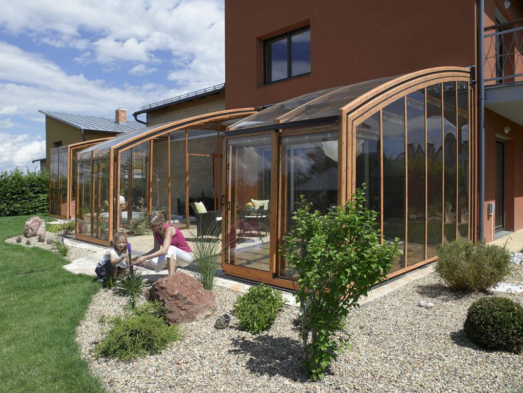 https://coperture-terrazzi.it/img/corso/coperture_apribili_terrazzi_corso-colore-legno.jpg